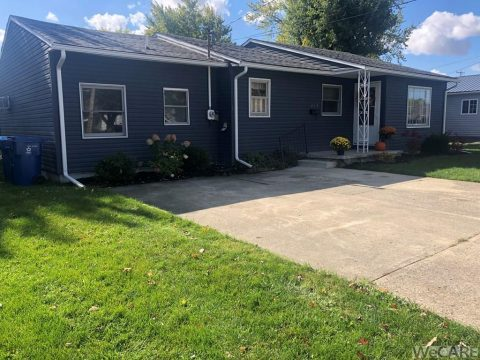317 Gilbert Kenton, OH 43326